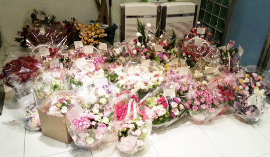tvxq 9th year flowersjpg